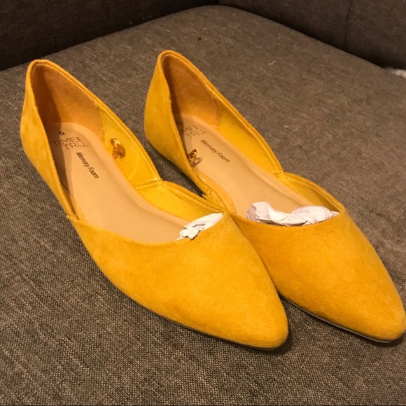 Time And Tru Yellow Pointed Flats NWT 6